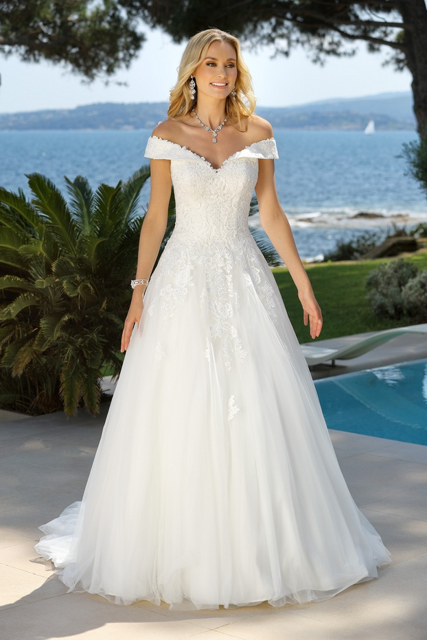 420016-00762-Prinsessen-trouwjurk-Ladybi