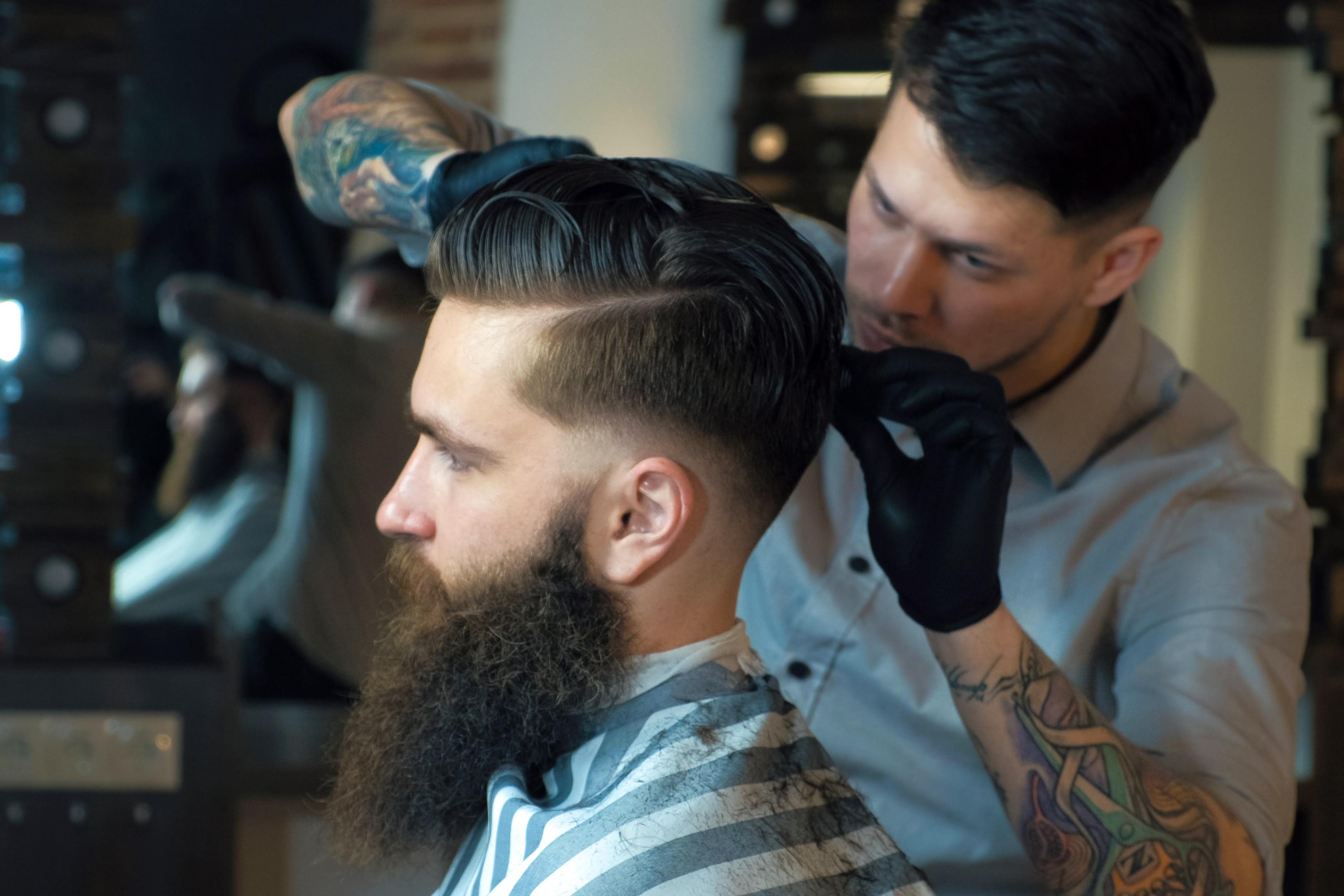Haarschnitt, Bart und Styling