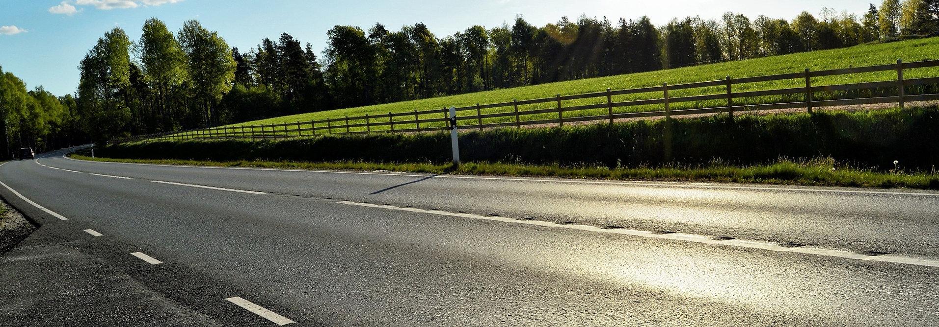 asphalt-clouds-curve-4618777.jpg