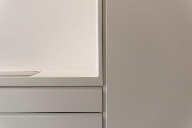 N2 Minimalistic White5.jpeg