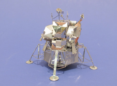Metal Earth Lunar Lander