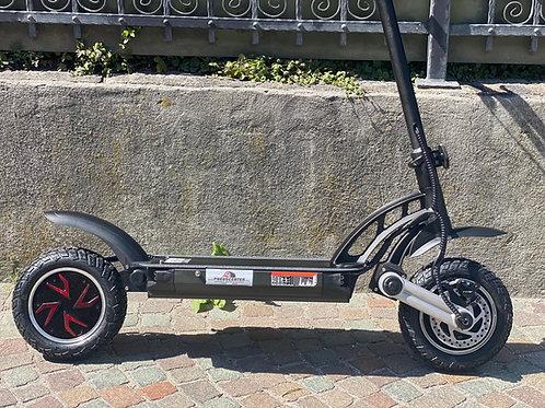 E-SCOOTER mit Allradantrieb