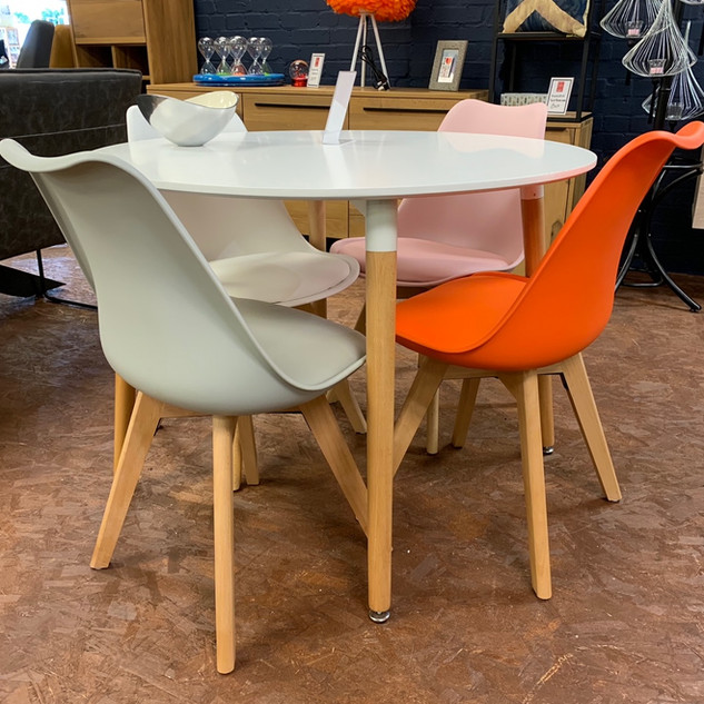 Barnsbury Furniture_Soham_Showroom_Dinin