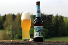 Saphir mit Glas.png