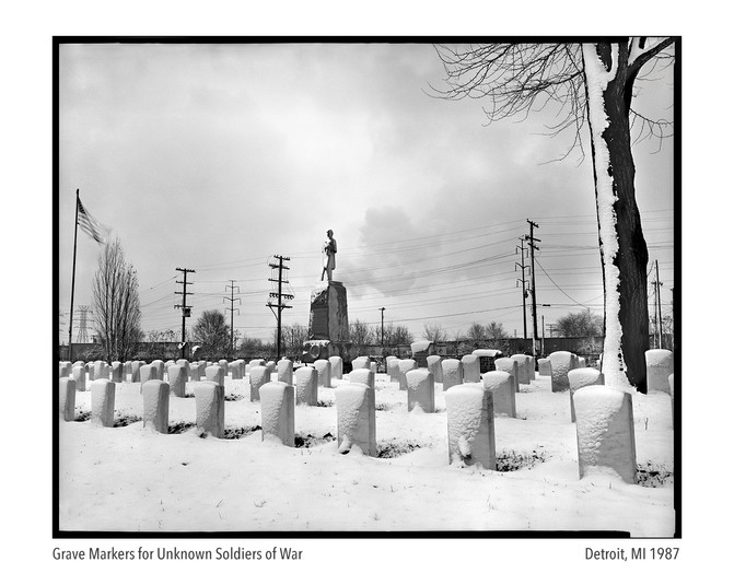 Cival War Statue and Graveyard 1987.jpg