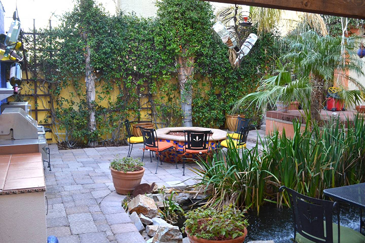 Courtyard at Milo's Inn at Boulder
