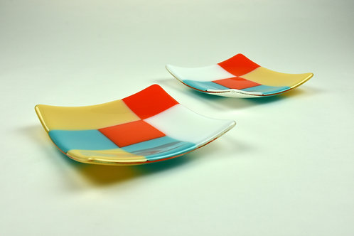Plate set, a pair of small square glass plates, Modernist design