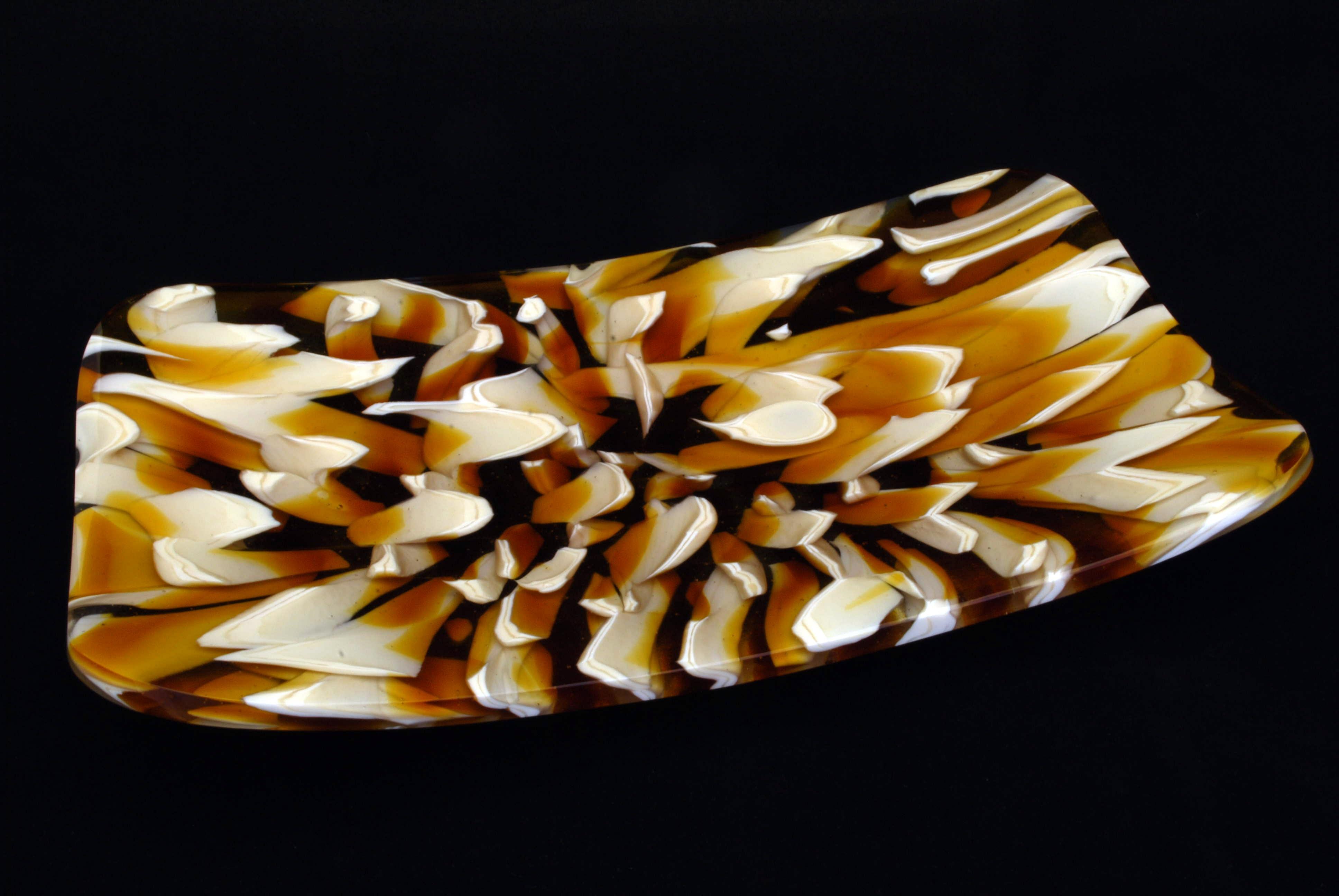 Platter in marbled design