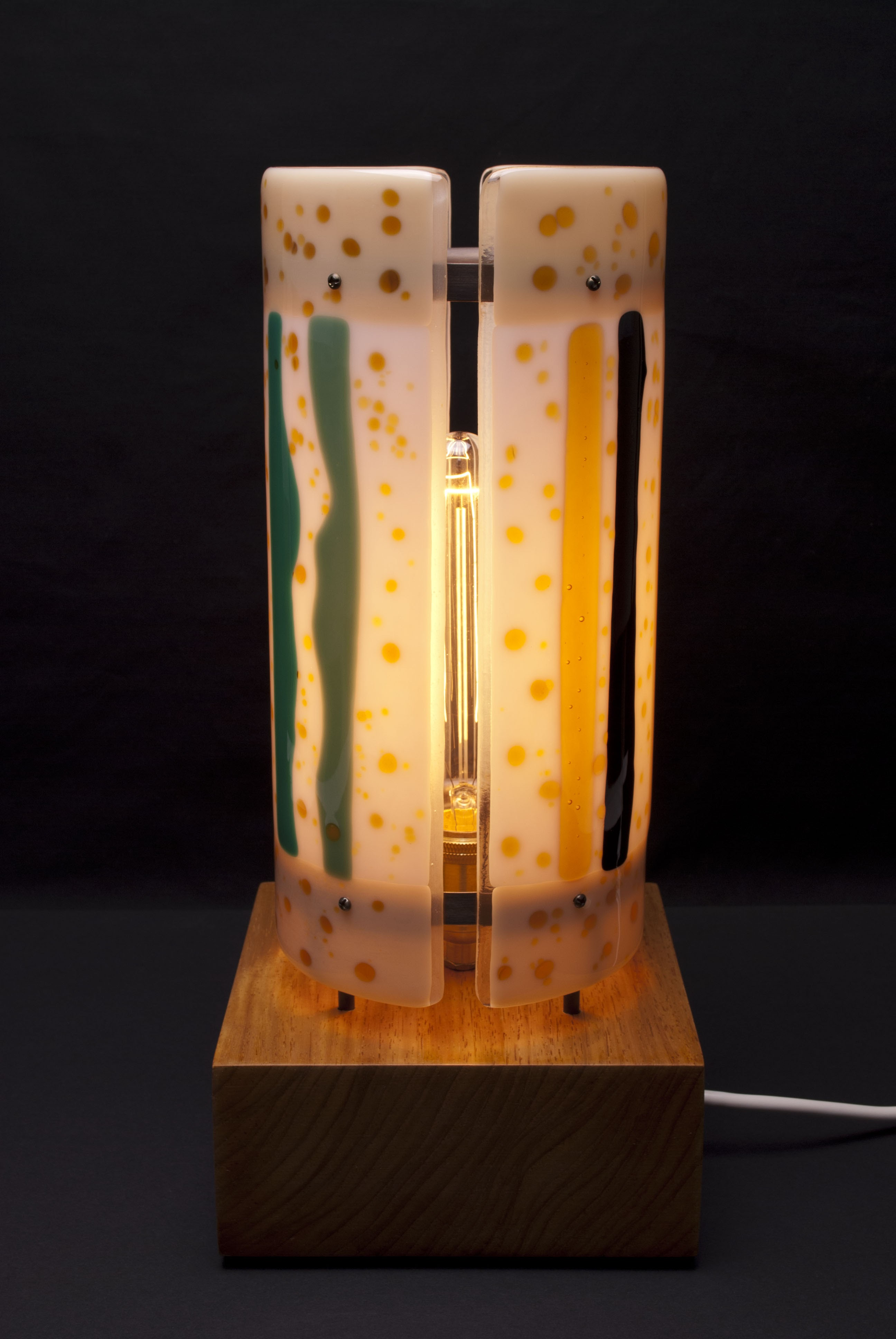 Upright table lamp