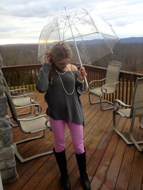 Looks: Brighten Up A Rainy Day