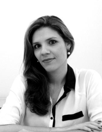 Paula Correa   Sócia-Diretora