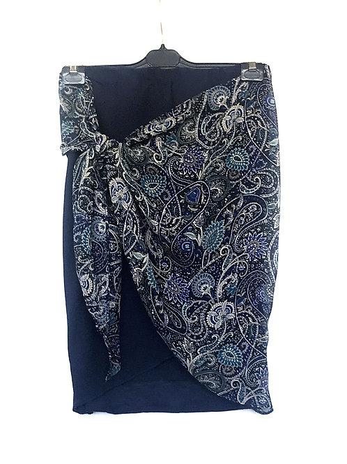 Falda pareo azul.