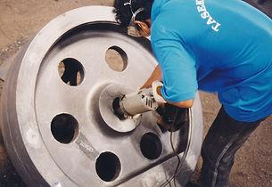 grinding process of manganese wear parts