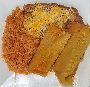 Tamales%20plato_edited.jpg