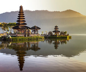 Yoga Retreat Bali with Monique Buder and Natascha Kiessler