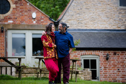 Uma and Nirlipta in Stroud by Leticia Va