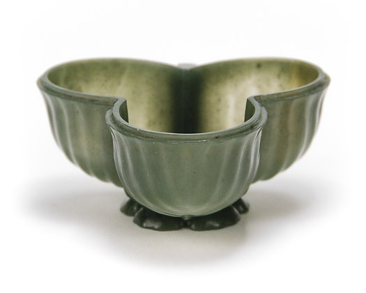 Chinese Small Mughal Style Spinach Jade Trefoil Cup