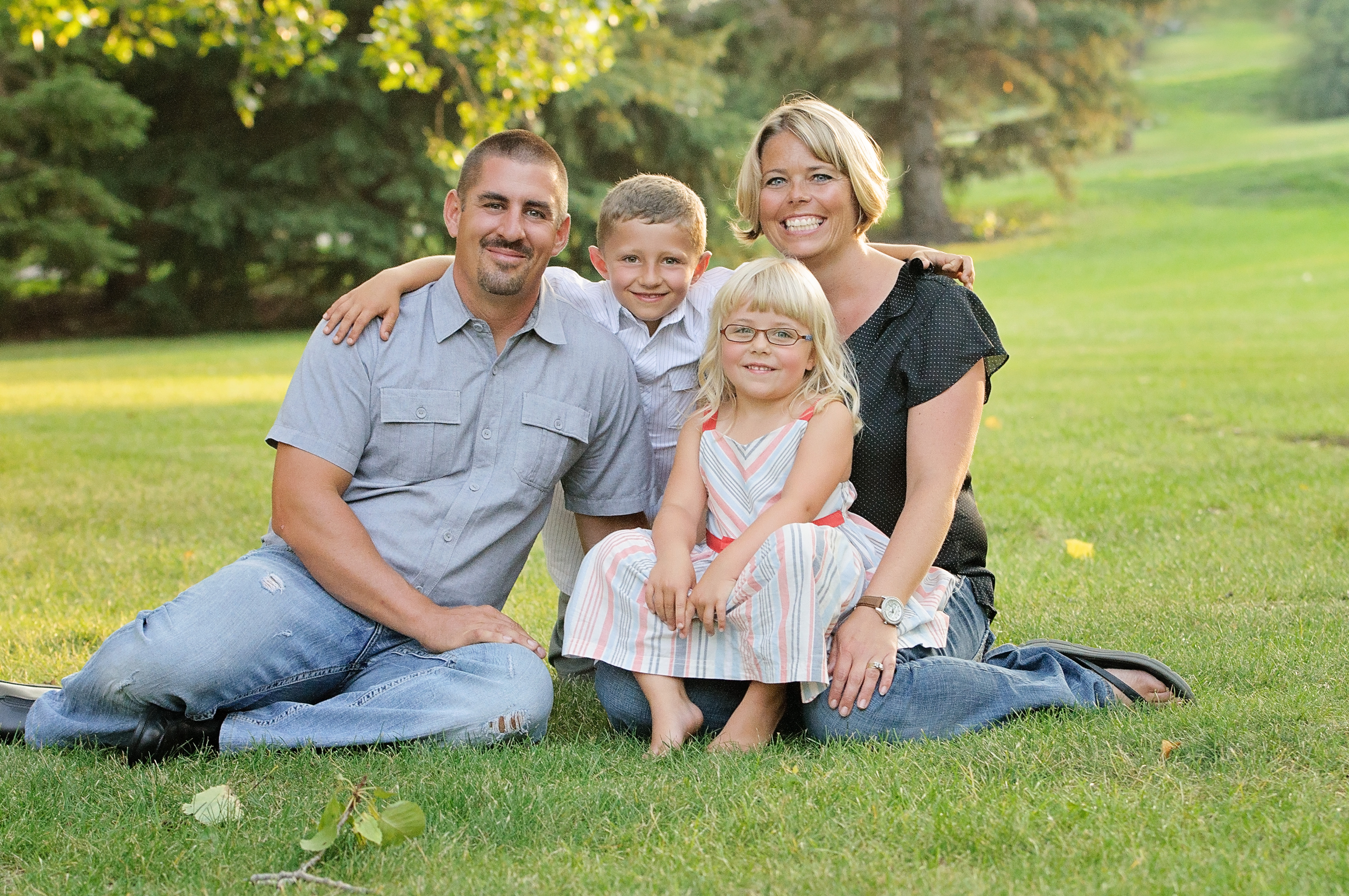 Calgary Airdrie Family Photographer
