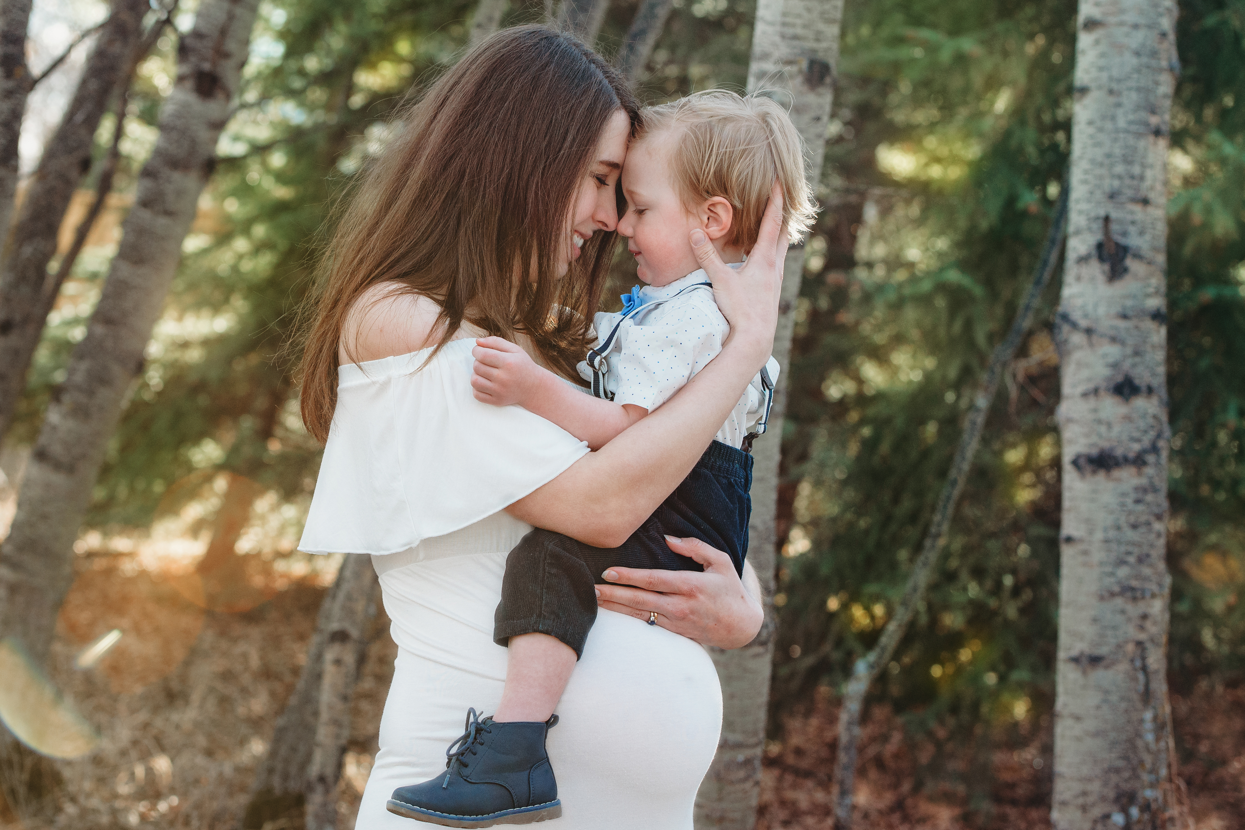 Hint of a Twinkle Calgary Airdrie Newborn Maternity Photographer