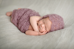 Hint-of-a-Twinkle-Calgary-Airdrie-Newborn-Baby-Photographer-5.png