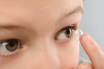 Contact-Lenses-for-Children-What-Age-Can