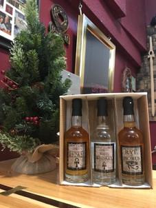 whiskey gift pack 2.jpg