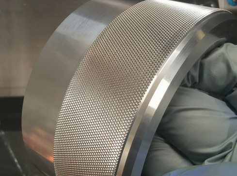 Aluminum diamond cut knurling upto 250mm diameter.