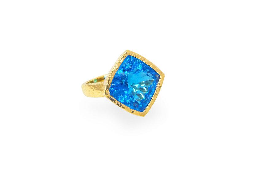 Blue Topaz + 18k Gold