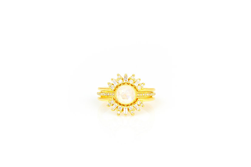 Moonstone, Diamond + 14k Yellow Gold Ring
