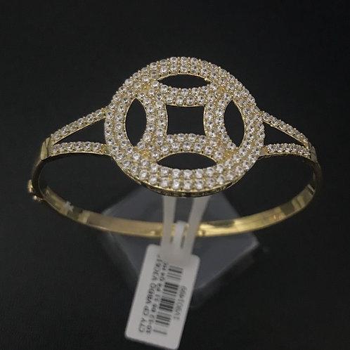 Vòng tay vàng đồng tiền đá trắng VJC 610