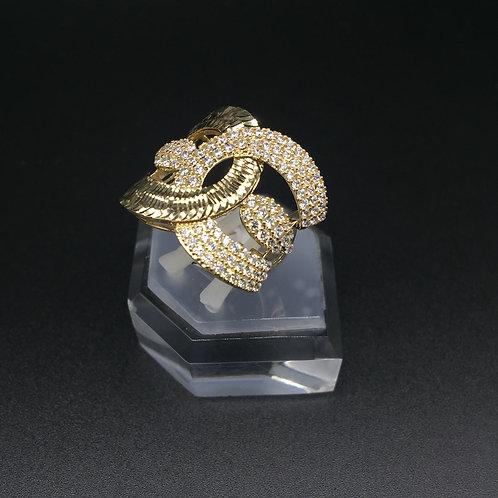 Nhẫn vàng nữ móc máy gucci VJC 610