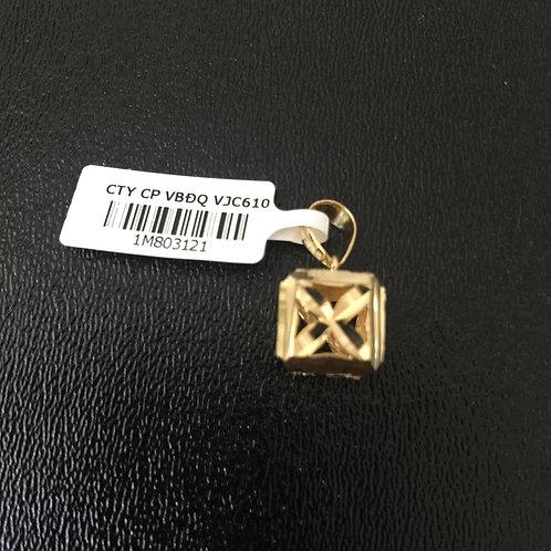 Mặt dây chuyền vàng vuông VJC 610