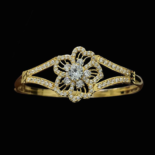 Vòng vàng hoa đá trắng VJC 610