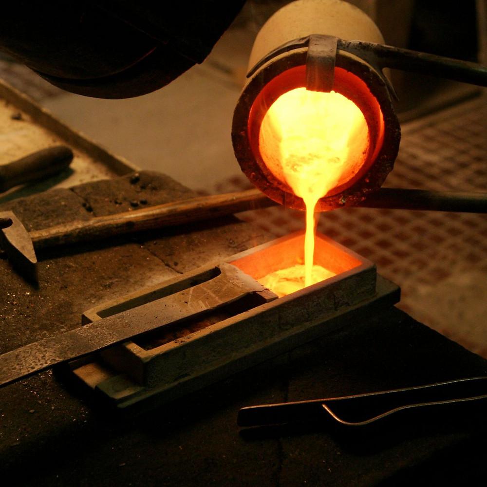 nấu chảy vàng nguyên liệu