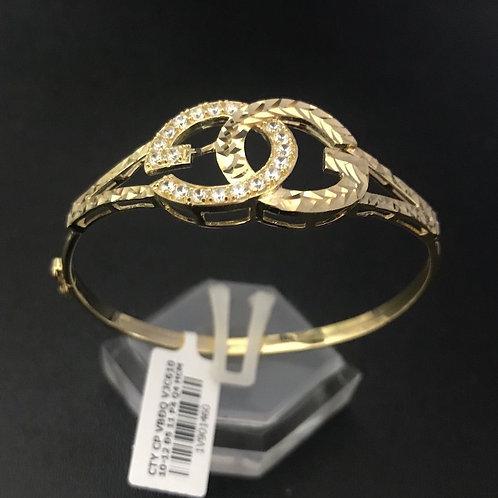 Vòng tay vàng Gucci đá trắng VJC 610