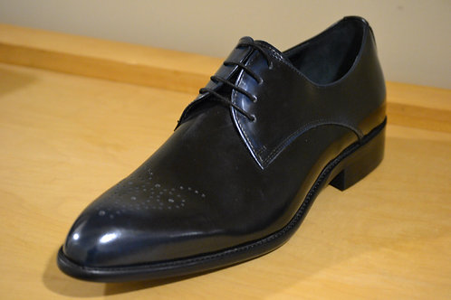 Carrucci Black Lace-Up Oxford