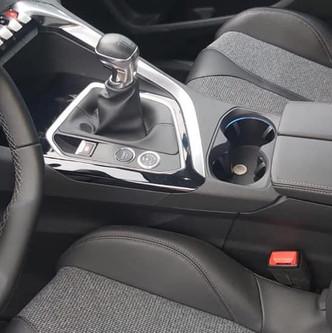 Peugeot 5008 1.2 3 cilindri turbo iniezione diretta 96 kw