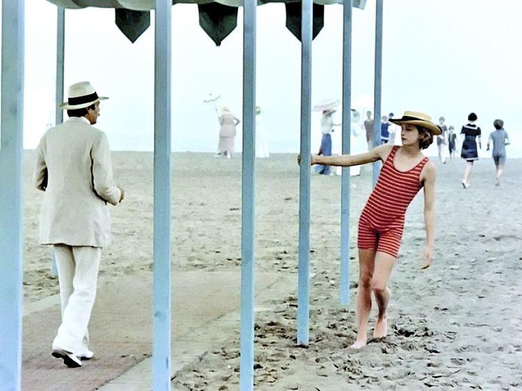 Von Aschenbach y Tadzio (fotograma de la película)