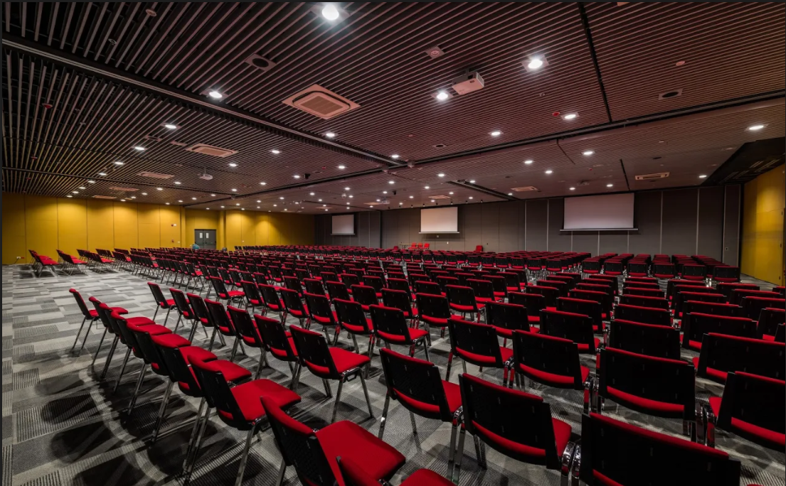 FOTO AUDITORIO CC 1.png