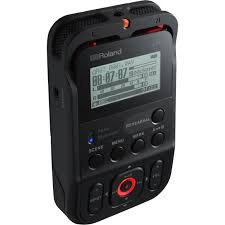 Roland R-07 Ultra-Portable Recorder with Wireless Listening and Remote Control