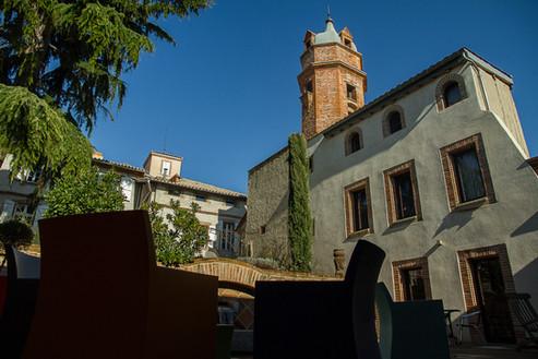 Vue sur la tour depuis le jardin