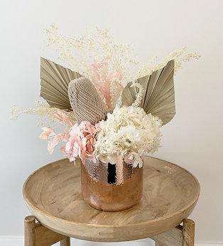DRIED FLOWER ARRANGEMENT - Pretty in Pink