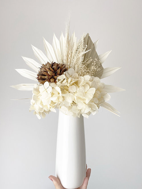 DRIED FLOWER ARRANGEMENT - Simplicity