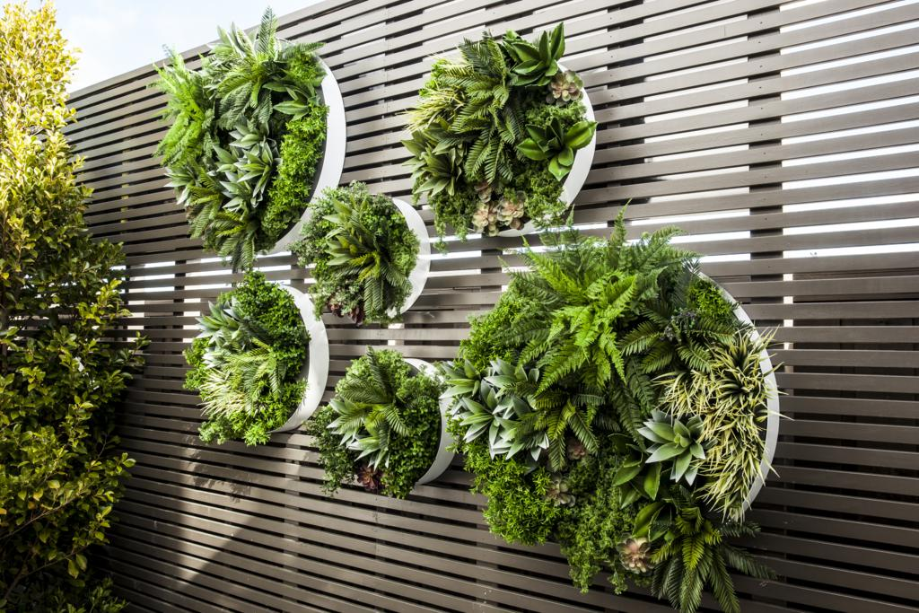 Wall Disks with Artificial Greenery