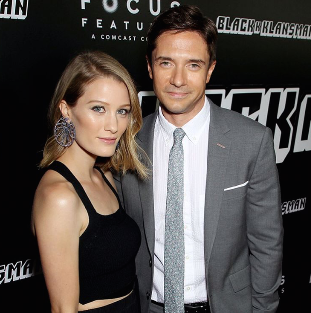Ashley Hinshaw Topher Grace  Premier