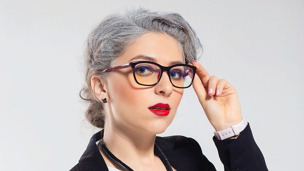 Актриса и ведущая Елена Логачева
