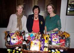 Lismore-Ladies-Easter-Prizes-2016-1