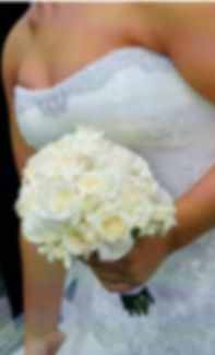 Kens-Flower-Cafe-Wedding-Bouquet-White