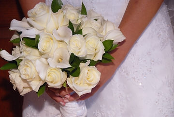 kensflowercafe.com-wedding-bouquet