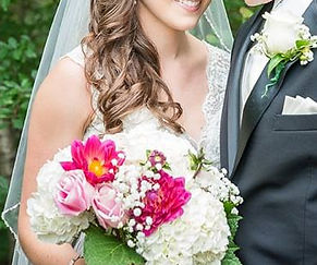 KensFlowerCafe-Exotic-Bridal-Bouquet